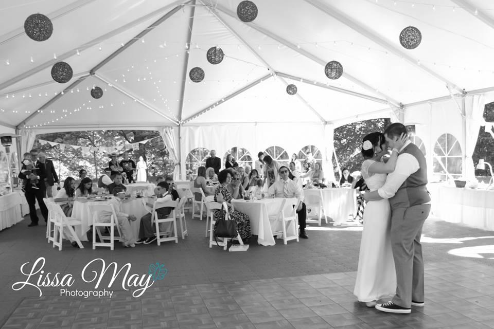 wedding.dance.bw